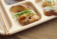 (F)フライドロータス - 揚げ蓮根のゆず胡椒和え (B)ジャーシャカシャカポテト - フライドポテト (F) Fried Lotus - Dressed Fried Lotus with Sesame and Yuzu (B)Jya-syaka-syaka potato - fried Potato
