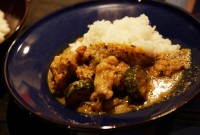 「緑の野菜と鶏肉のカレー / Chicken with Green Vegetable Curry」