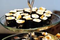 巻き寿司 梅きゅうり、天かす紅しょうが、油揚げそぼろ風 - Plum and Cucumber Sushi Roll, Tenkasu(bits of fried tempura)with red pickled ginger, Mushed Style Fried bean curd
