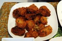 ファラフェル(ひよこ豆のコロッケ、タヒニソース→ねりごまとレモンのさっぱりソース) - Falafel(Chickpea with Tahini Sauce/paste sesame with lemon)