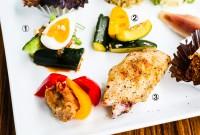 1:香味野菜と玉子のサラダ 2:野菜のナムル 3:焼き手羽先 - 1:Egg salad with potherbs 2:Vegetable namul 3:Grilled wing tip