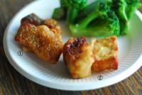 ①白身魚の唐揚げ②豆腐の唐揚げ