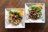 タコス - Tacos  ①スパイスチキン - Spice chicken    ②チリコンカルネ - Chili con carne