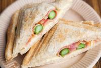 ベーコンとアスパラのホットサンド - Hot sandwich of bacon and asparagus